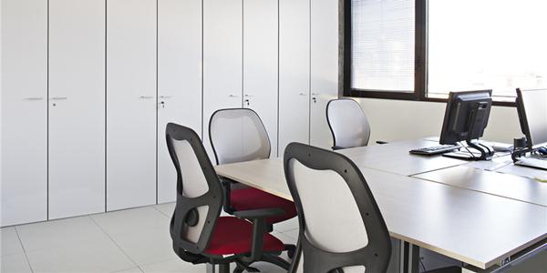 国外办公室家具运用案例欣赏:意大利米兰Telematic Solutions