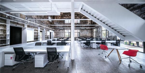 办公室家具运用案例欣赏:老厂房再生-UAO新办公室改造