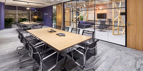 国外办公室家具运用案例欣赏:日式美学Prologis华沙办公设计欣赏