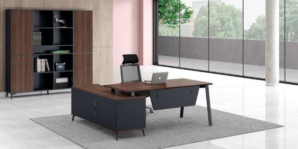 定做办公家具屏风办公桌厂家哪家好,办公室屏风怎样合理性组合搭配