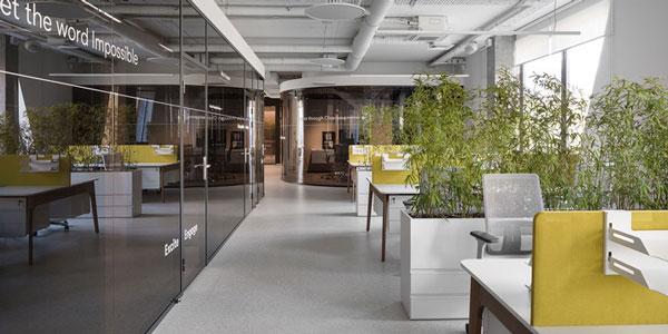 国外办公家具运用案例:优雅极简Biosphere基辅办公设计