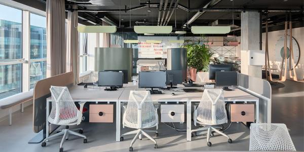 国外办公室家具运用案例欣赏:塞尔维亚·Catena Media